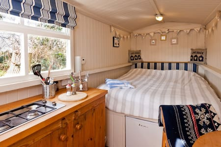The Shepherds Hut,  Nr Polzeath. - Polzeath