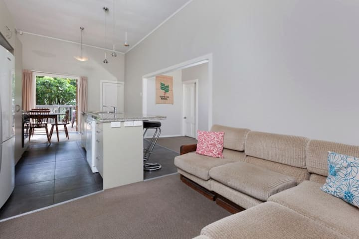 2.5bdrm Central Location - Auckland - House
