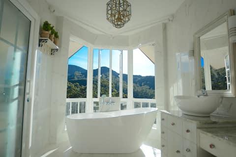 Luxe Wilderness, 2 storey villa with best views