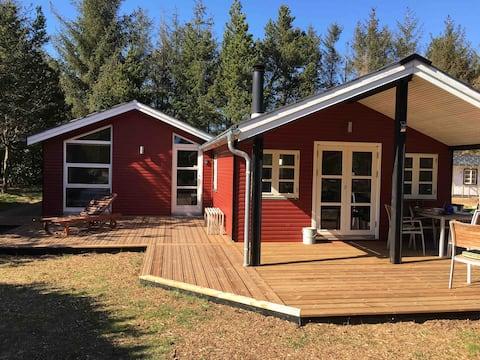 Sommerhus i Ho med GRATIS badeland/bowling/golf 9