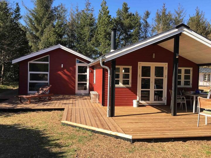 Sommerhus i Ho med GRATIS badeland/bowling/golf.