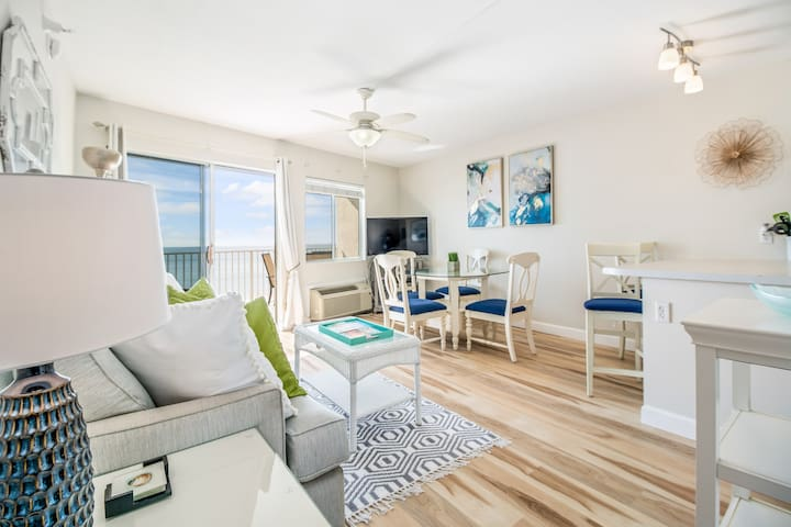 Gulf Front Condo, Private Beach Perdido Skye 24
