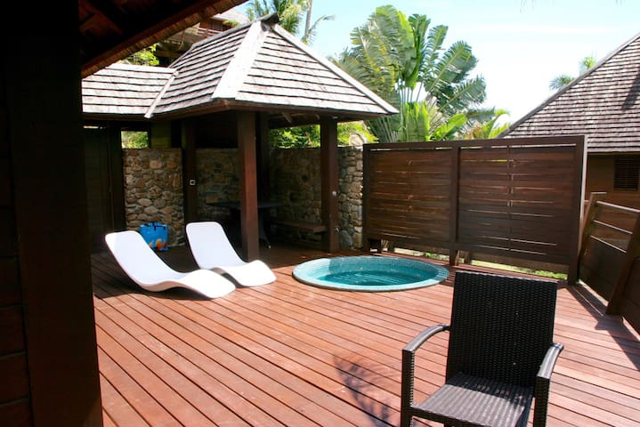 Superb villa above the lagoon of Moorea, Polynesia - Ha'apiti - 別荘