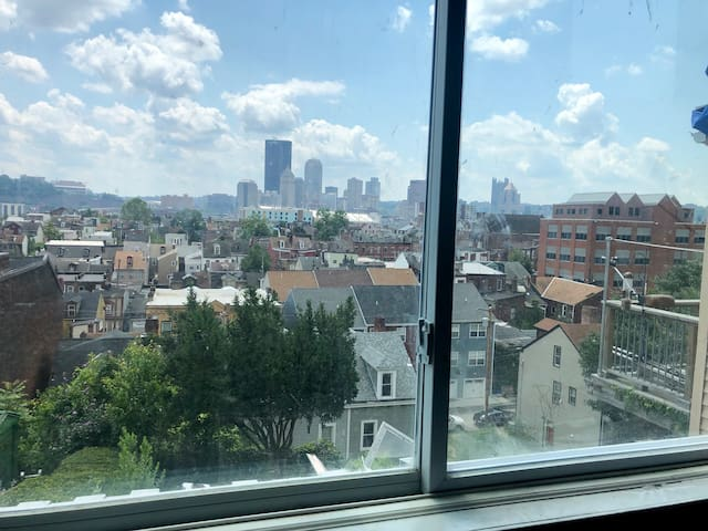 Deutschtown Duplex with amazing city views
