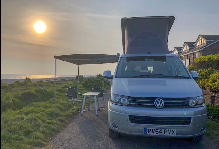 VW California camper sleeps 4 & can be driven