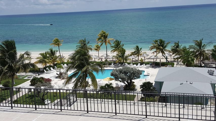 Oceanfront Studio in Freeport Bahamas!