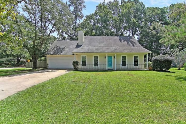 Family Friendly - close to everything Charleston!