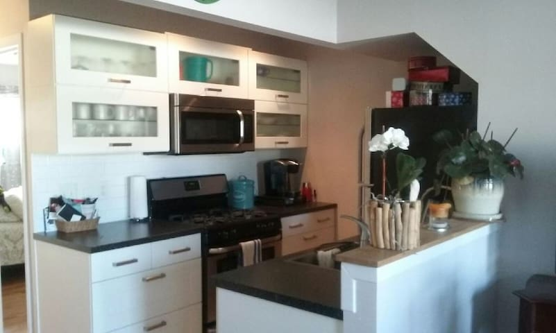 ONE block to the BEACH! - Point Pleasant Beach - Apartament