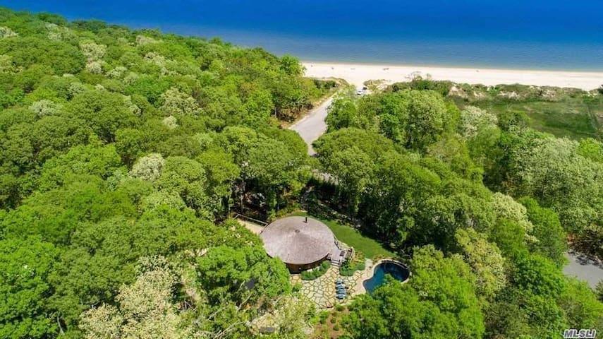 Hamptons Beach Cottage w/ infinity pool & hot tub
