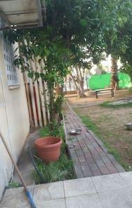 A garden apartment - Kiryat Gat - Huoneisto