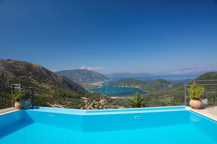 Peaceful Villa with Stunning Sea Views
