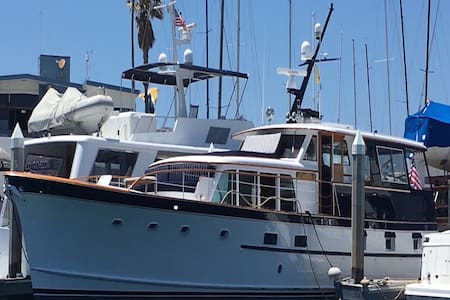 Classic 70'YACHT rare style & comfort on the sea - Redondo Beach