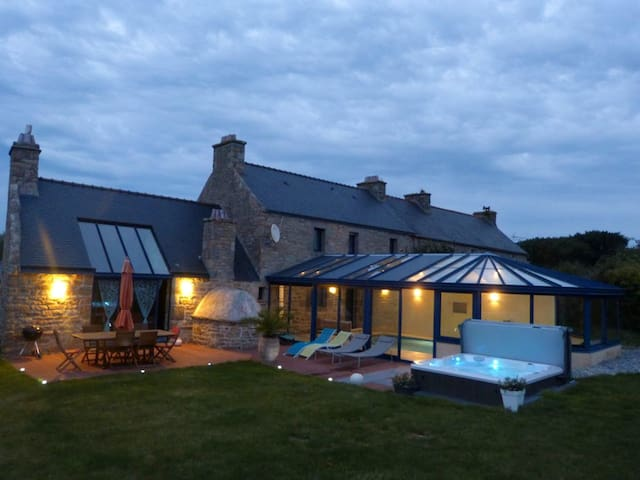Villa with 4 bedrooms in Plourin, with private pool, enclosed garden and WiFi - 4 km from the beach