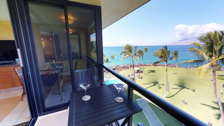 Newly Renovated Top Floor Oceanfront Condo #610
