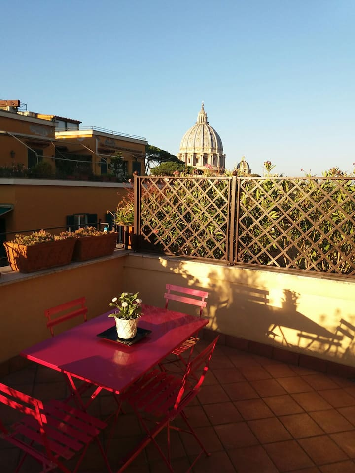 The beautiful terraces for those who love dreaming in front of san pietro that you