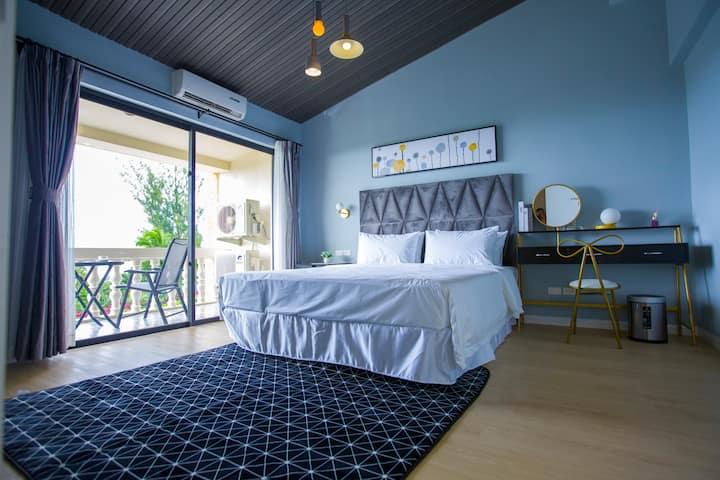 海景房 一室一卫 1.8米床 使用面积28平方 离市中心开车5分钟