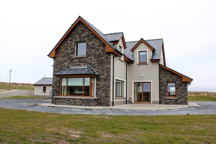 Ballyferriter Links Side House