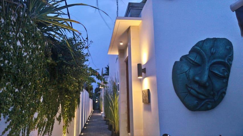 Private 1 Bdr Villa with Pool, Seminyak (Villa 1)