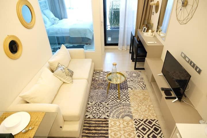 ①曼谷市中心通罗Thonglo BTS 附近日式设计小区舒适时尚套房
