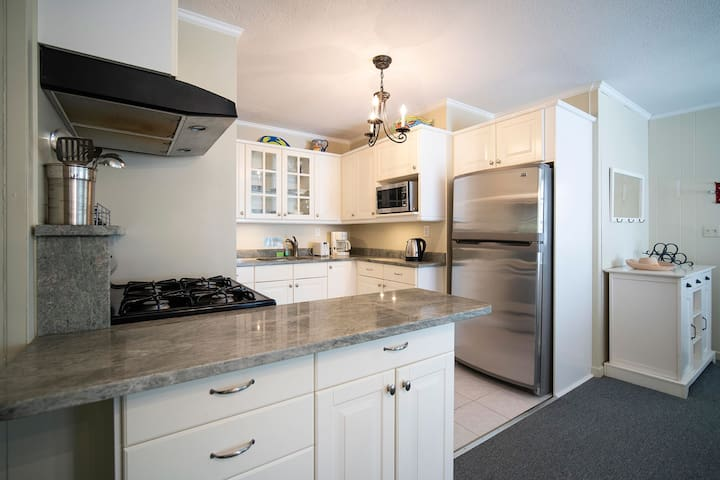 Walk to Beach and Main Street - 1-Bedroom Cottage at Captain Gosnold Village (18A)