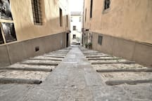 At the end of this short alley you'll find a great Tuscan Osteria! Il Tronca! 50 meters from your apartment! Many others very close too! All is walking distance!