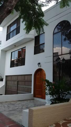 Habitación Acogedora, en un sector exclusivo - Cali - Hus