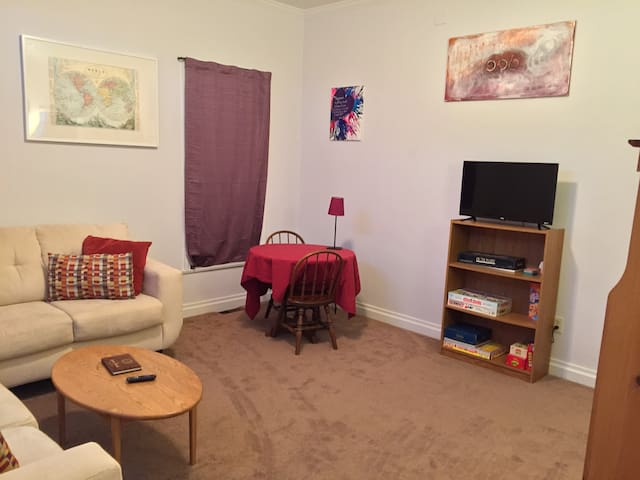 Luxury private apt with parking, near Grandview - Pittsburgh - Departamento
