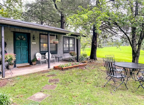 Green Pastures - Cottage - 2 miles to I-65
