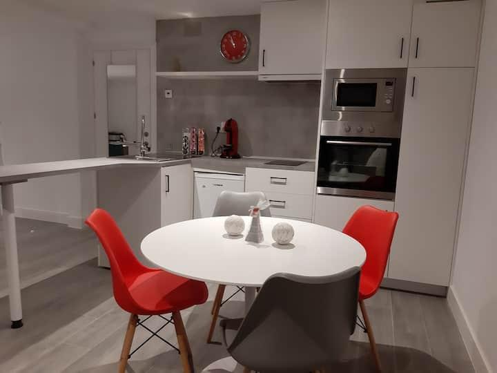 Apartamento independiente, completo y moderno