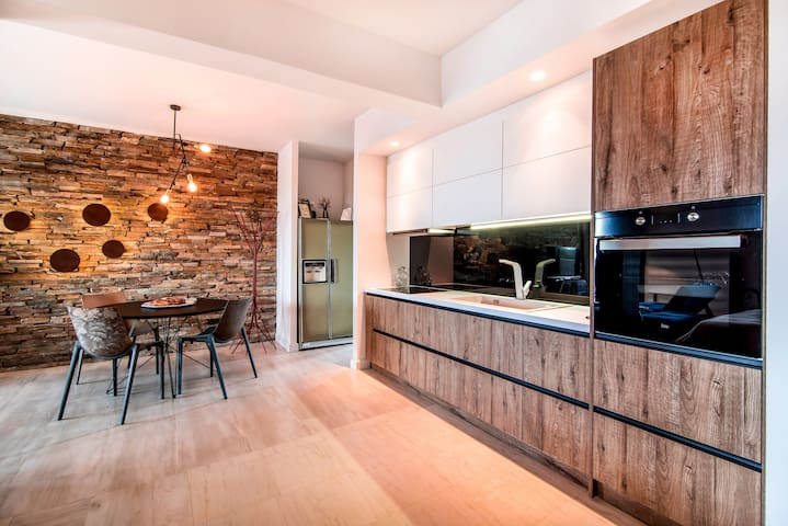 Cozy apartment, amazing sea view. Fully equipment - Saronida