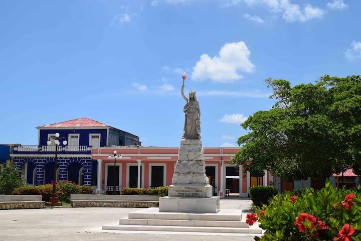 Estatua de la libertad en Gibara