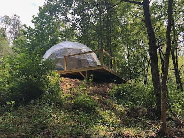 Glamping Dome on 8 acre trout stream in Boone NC
