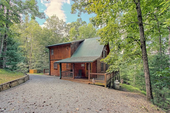 Mountain cabin w/private hot tub, firepit, decks & forest views - dogs welcome!