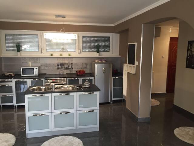 Luxuslakás Salgótarjánban - Salgótarján - Hotellipalvelut tarjoava huoneisto