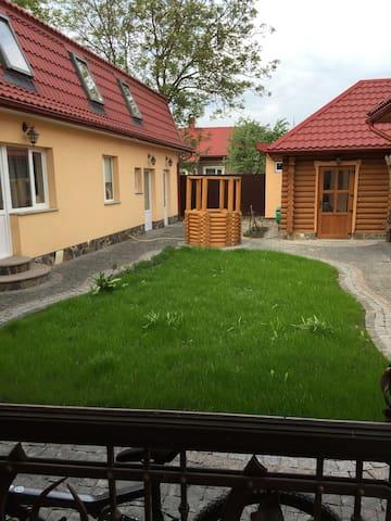 Гарне нове приміщення..окремий вхід - Horodenka