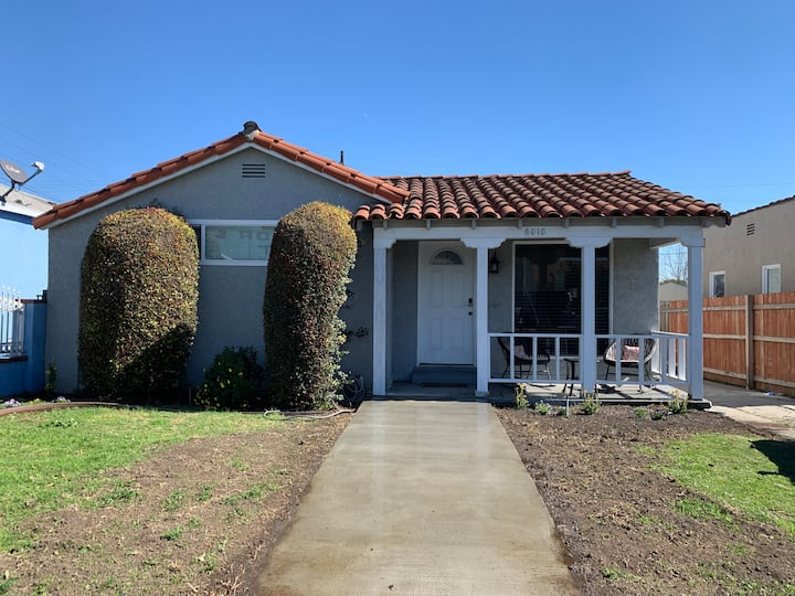 3️⃣bedroom 2️⃣bath house in Center of LA