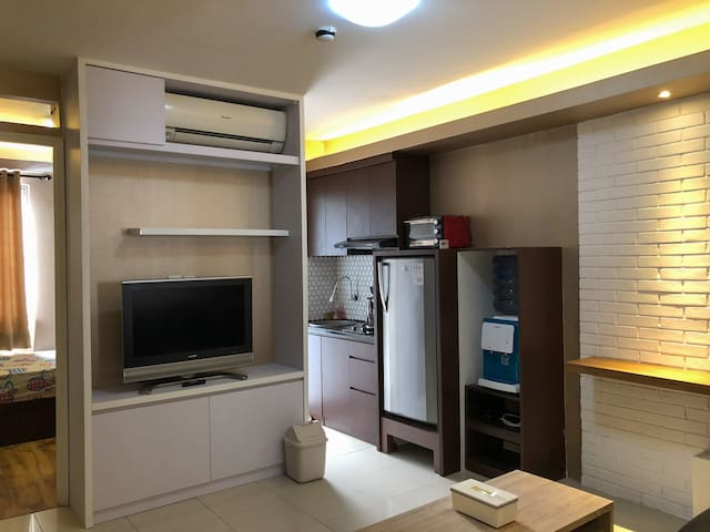 A cozy 2BR high floor apartment at south jakarta