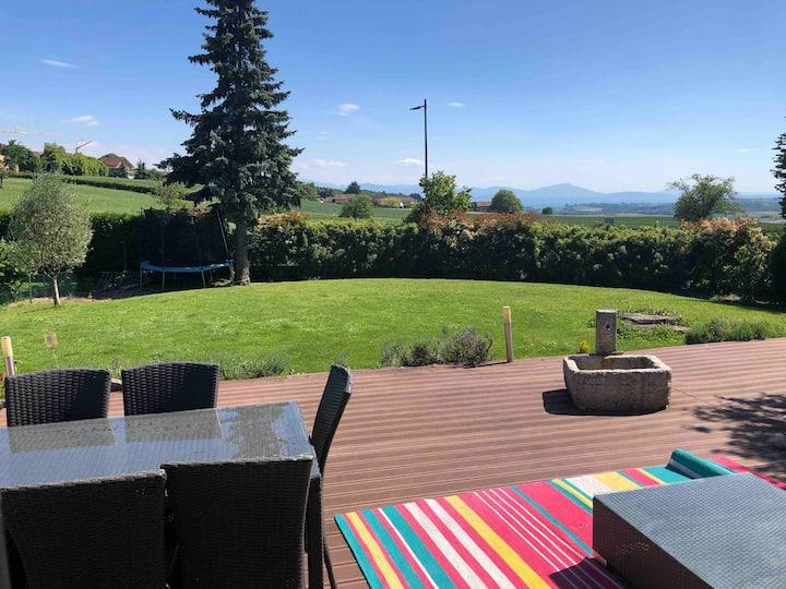 villa individuelle, terrasses / jardin avec spa