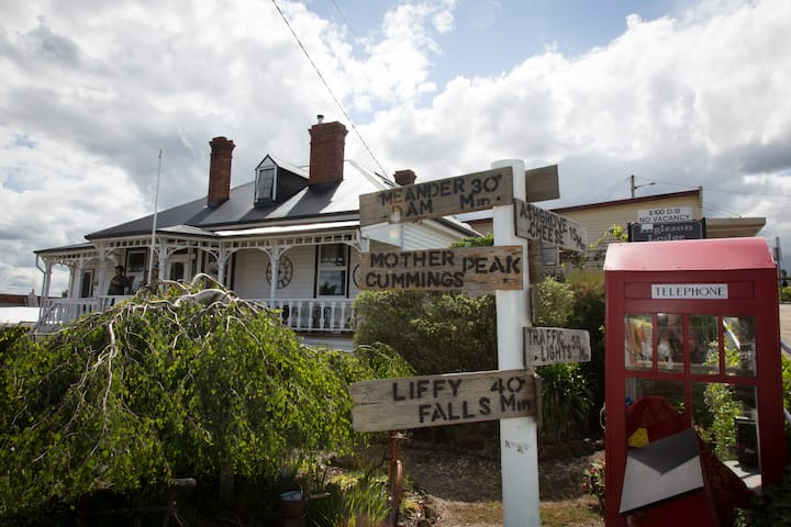 Ingleson Lodge