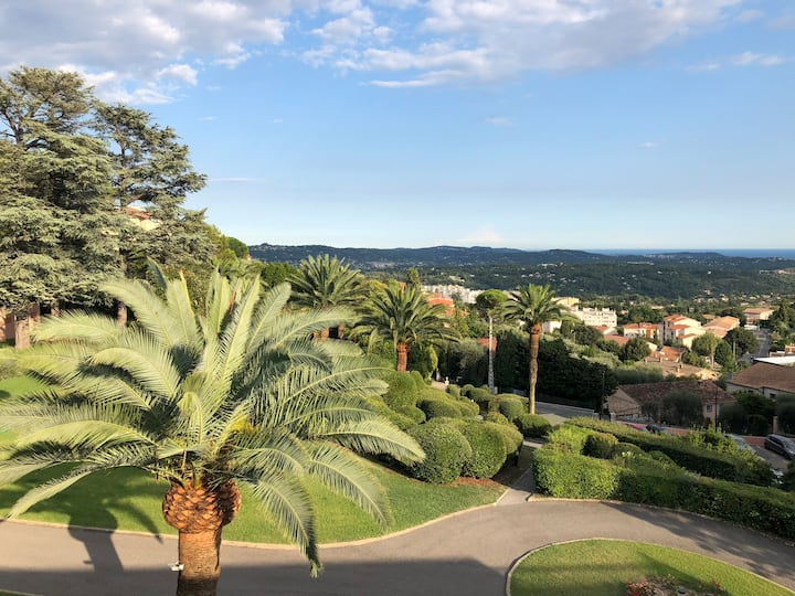 Grasse: Appartement avec 2 grandes terrasses