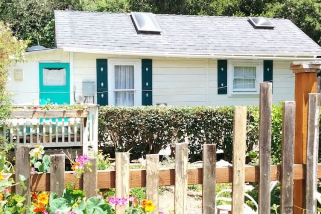 Next to the Bridge Street Inn is the Garden Tiny House. 2 bedrooms, kitchenette, living room, and bathroom. Available on Airbnb.