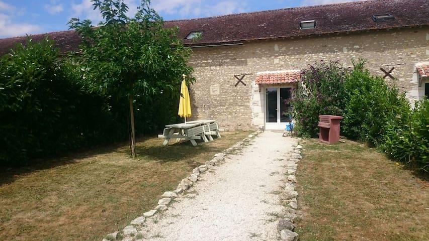 Ducs de Richelieu G2 - Braye-Sous-Faye - House