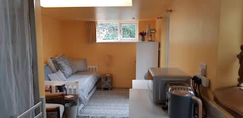 Selfcontained Self catering Seaside Single Studio