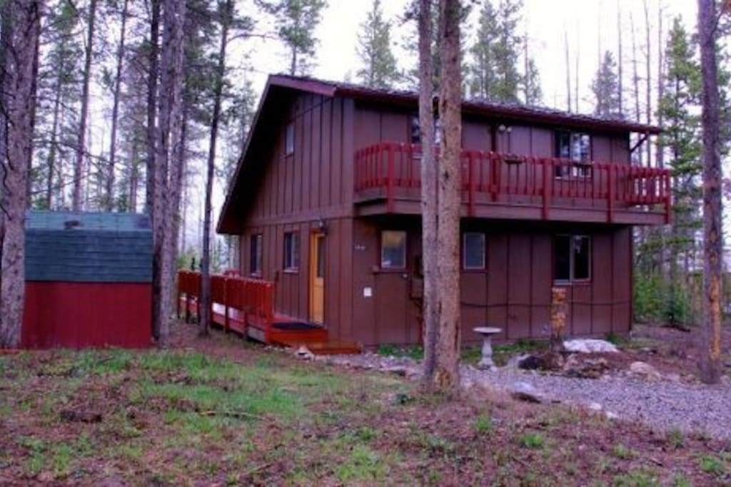Peak 7 pet friendly cabin in woods houses for rent in for Pet friendly colorado cabins
