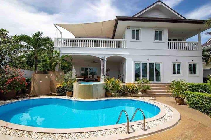 Luxury Panoramic Villa