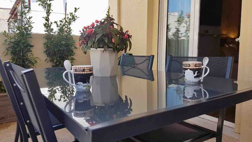 Balcony seating area near lounge room (2)