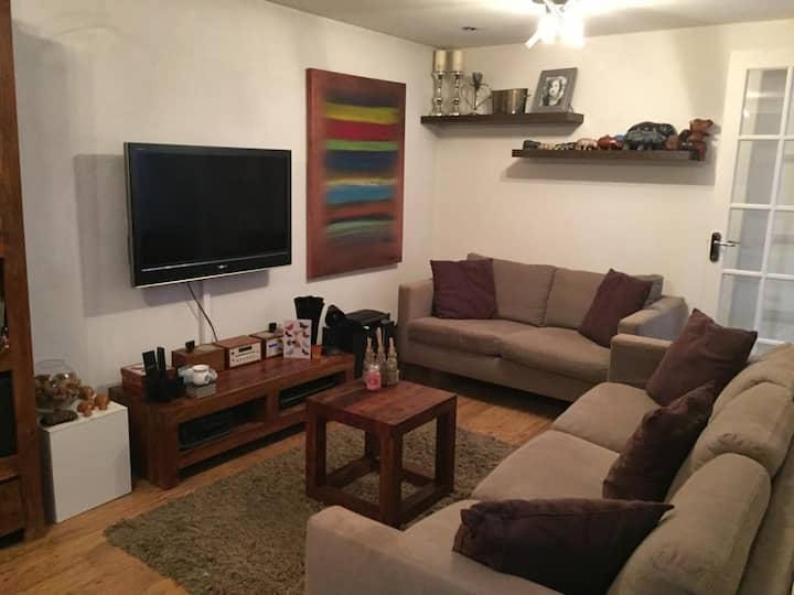 One Bedroom flat with a garden close  to the City