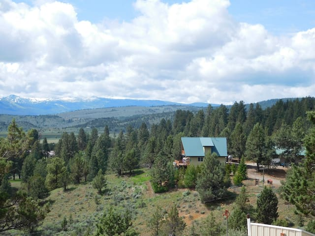 Home on 8 Acres with a beautiful view of Unity Res - Unity - Casa
