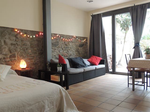 Very cosy and open space with a patio in Cardedeu