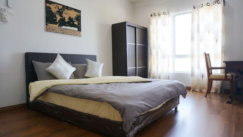 Cozy Room; 1 Min Walk to Lrt; In the heart of Kl